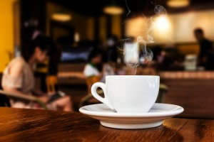 Coffee cup on a bar | Leonardo Bansko