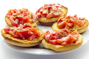 Bruschetta with tomatoes | Leonardo Bansko