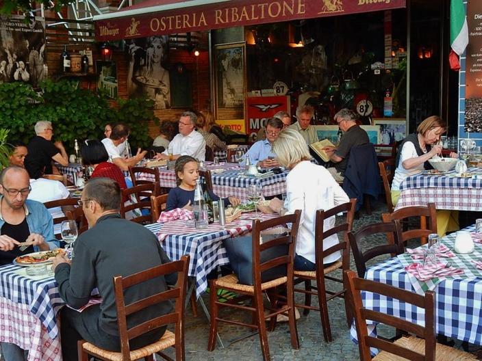 An Italian Osteria | Leonardo Bansko