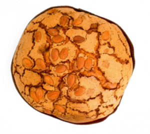 Italy is known all over the world for the culinary delights it offers. It is no secret that these warm homemade delicacies are most magical and captivating when prepared by hand at home. Today we will look at panettone - great for breakfast or dessert with soft and tender, fluffy dough.  To your attention - His Majesty Panettone!   This is a type of Italian sweet bread,  which is something like our Easter cake. It can be said that it is the most emblematic of the Milan region.  It is characterized by its cylindrical shape and in its true form reaches 15-20 cm in height.  Some specimens may exceed 1 kg in weight.    The history of the cake can be traced back to ancient Rome, when it was most often made with honey. During the Holy Roman Empire in the 16th century, the recipe was updated by the famous chef Bartolomeo Scapi. It is believed that the first masters of panettone were Milan bakers.  In the early twentieth century, the cake has gained great popularity throughout Italy.   When is panettone eaten and what distinguishes it from Colombia di Pascha and Brioche?    We have all  seen the cardboard boxes with the inscription panettone,  which have traveled so many kilometers to reach us. Even in Bulgaria it is often offered on the market during the Christmas and New Year holidays. In other countries, including ours, it is sometimes released in stores and around Easter.  For Italians, the consumption of panettone in the spring is a bit unusual. At this time it is more common for them to eat the so-called Easter colombs. These are actually quite similar cakes. They differ from panettone mainly in their shape, but also in the fact that their raisins are replaced by caramelized citrus peels.  To some extent, it can be said that panettone is a variation of the popular Italian kozunak brioche.  The difference between the two is in the cooking time and also in the yeast.  Sweet brioche breads need only a few astronomical hours to rise, while panettone takes more than 50 hou
